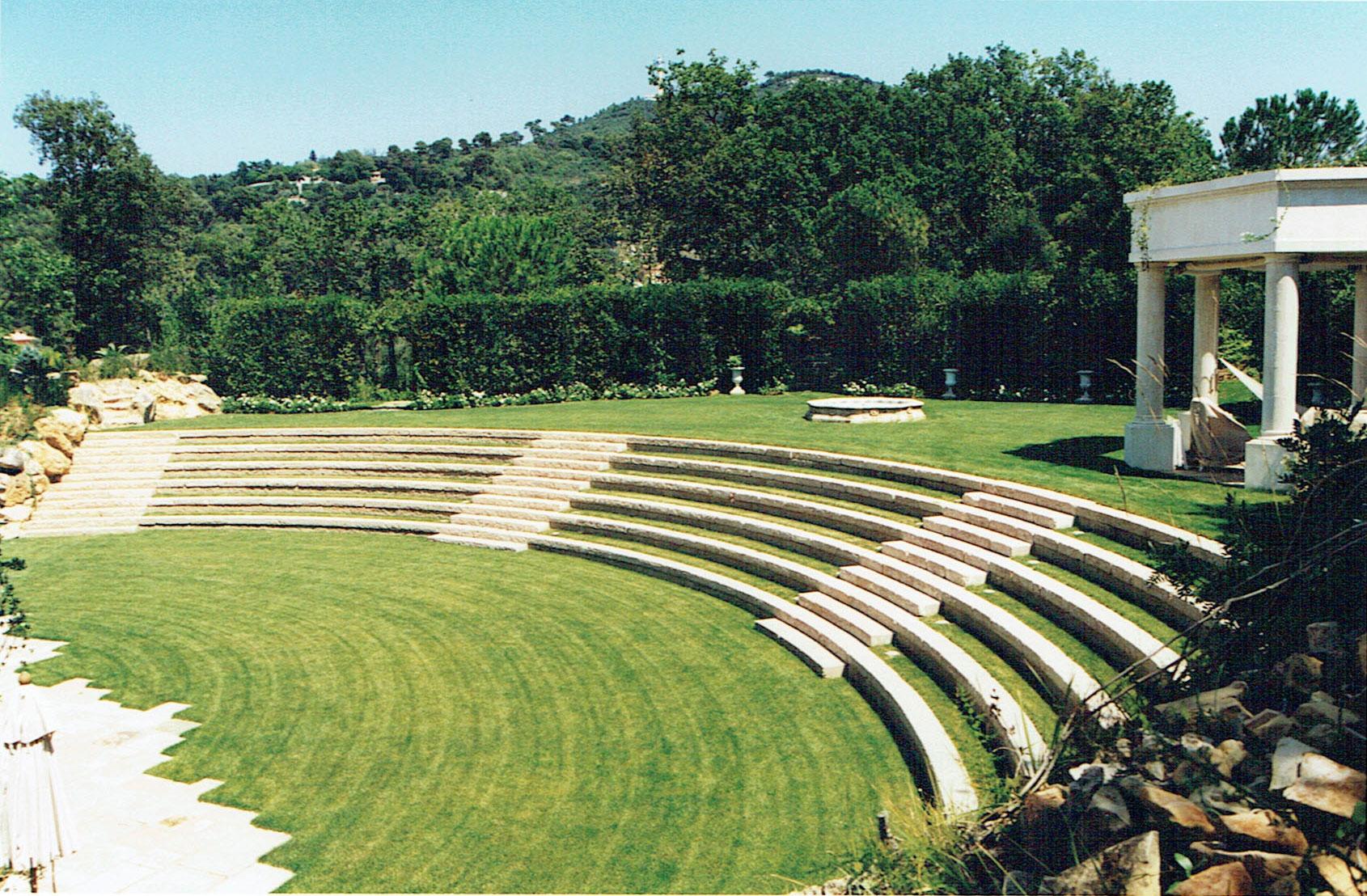amphithéâtre et aménagement finis